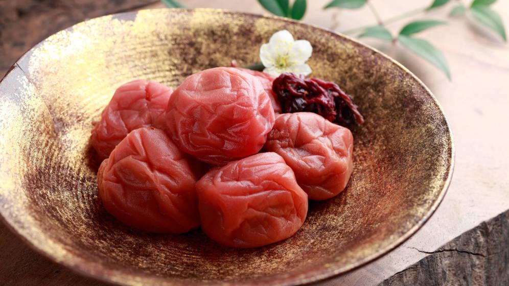 UMEBOSHI (Ciruelas fermentadas con sal)